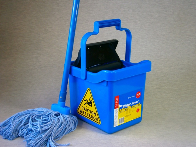 'Water Saver' Mini Bucket 12lt & Mop Package