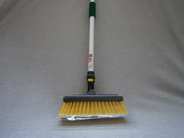 Truck Wash Broom with Water Fed Pole