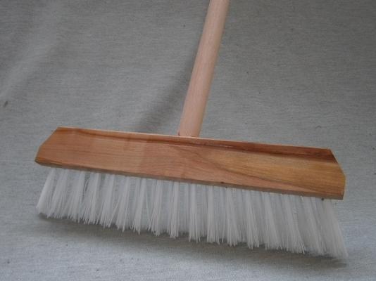 Carpet Rake with Handle